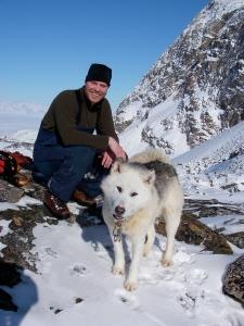 Chris and Ninja on the mountain, Uummannaq